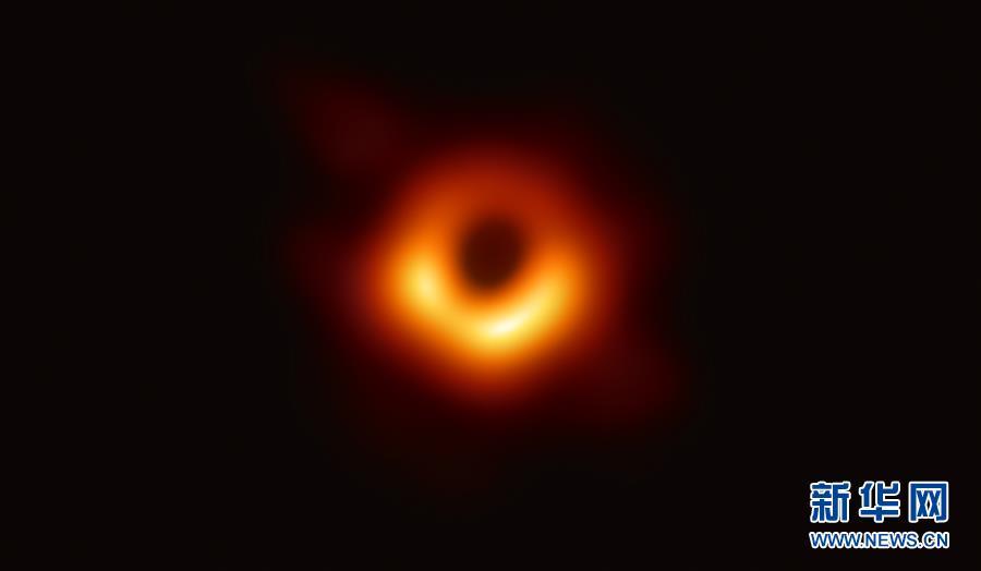 人类第一张黑洞照片好看还是《大宅门》的黑洞洞好听?